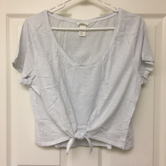 H&M Tops - BASIC TIE-FRONT TEE